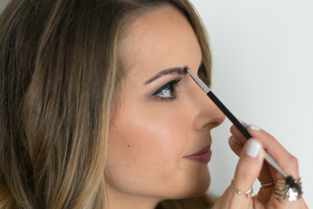 How-to-fill-eyebrows-12