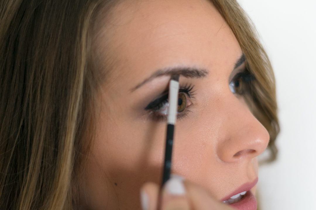 How-to-fill-eyebrows-2