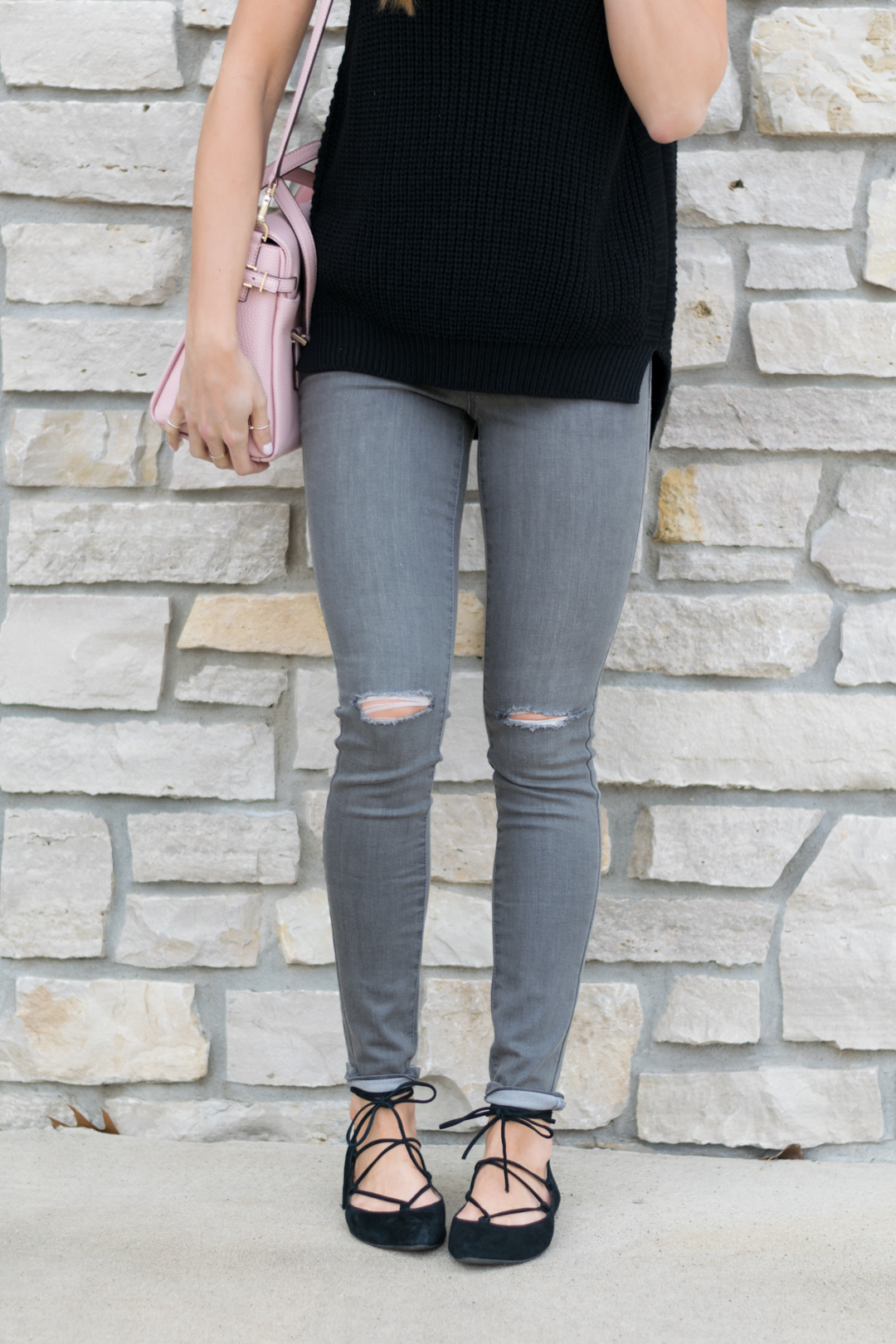 Sleeveless-Sweater-Outfit