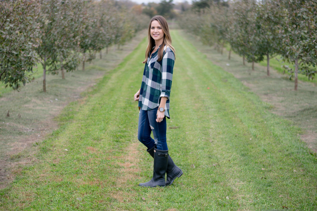apple orchard outfit, plaid shirt outfit women, black hunter boots outfit, flannel shirt outfit women, fall outfits for women, pumpkin patch look
