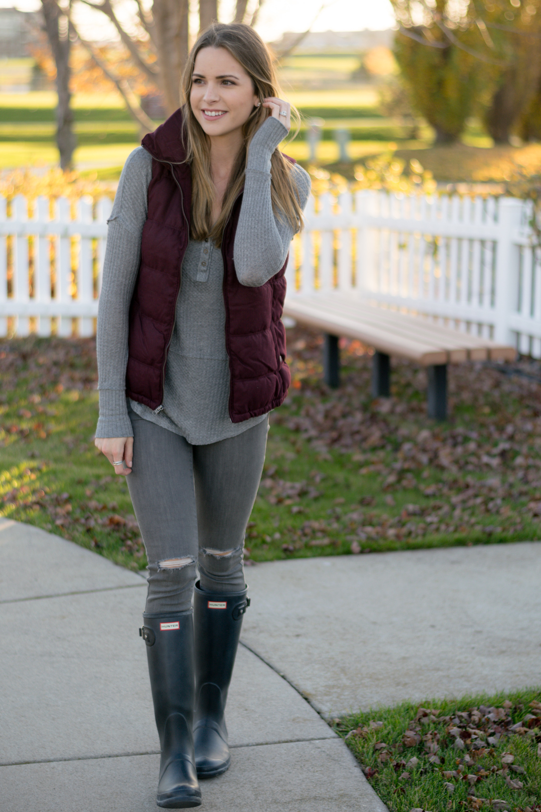 old navy textured frost free vest, wine puffer vest, maroon, burgundy, gray thermal henley top, black hunter boots outfit
