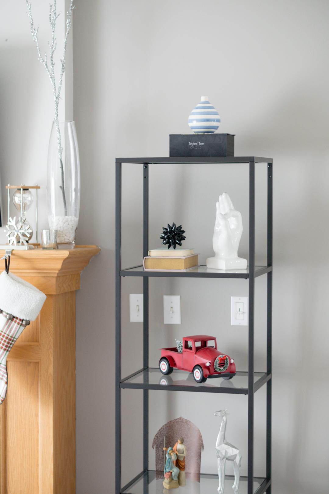 christmas bookshelf styling, bookshelf decor, shelfie