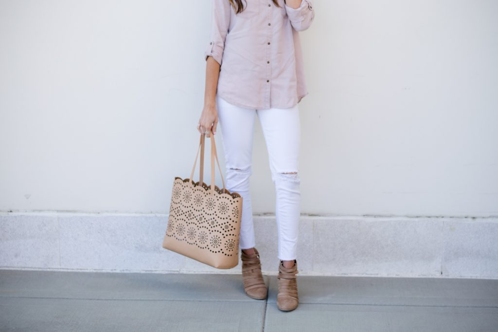 express soft boyfriend twill shirt, white jeans outfit, chelsea28 scalloped tote