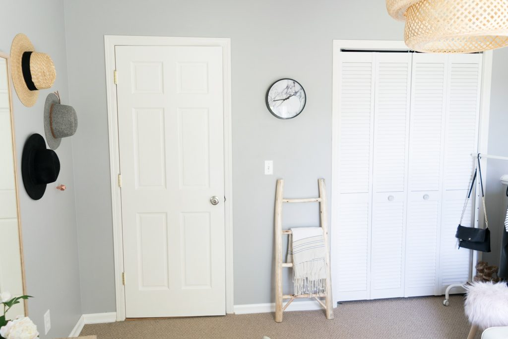 ladder blanket style, ways to store hats, floppy hat wall, marble wall clock