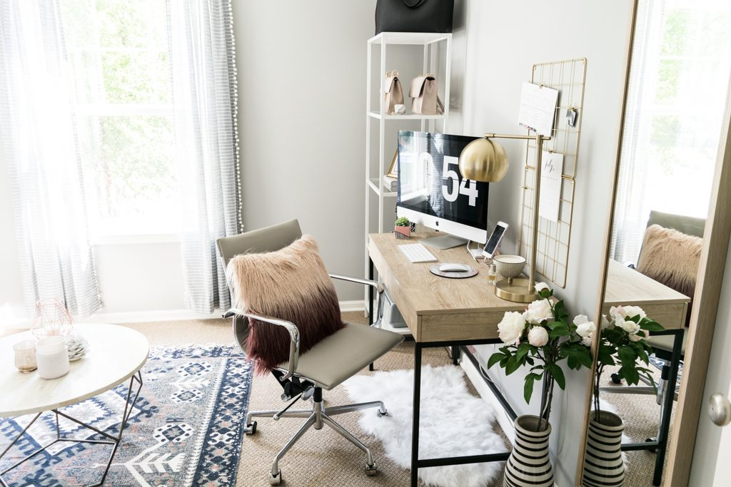 blog home office inspiration, fashion blog work space, bright minimal work space, office decor on a budget, Pinterest home office