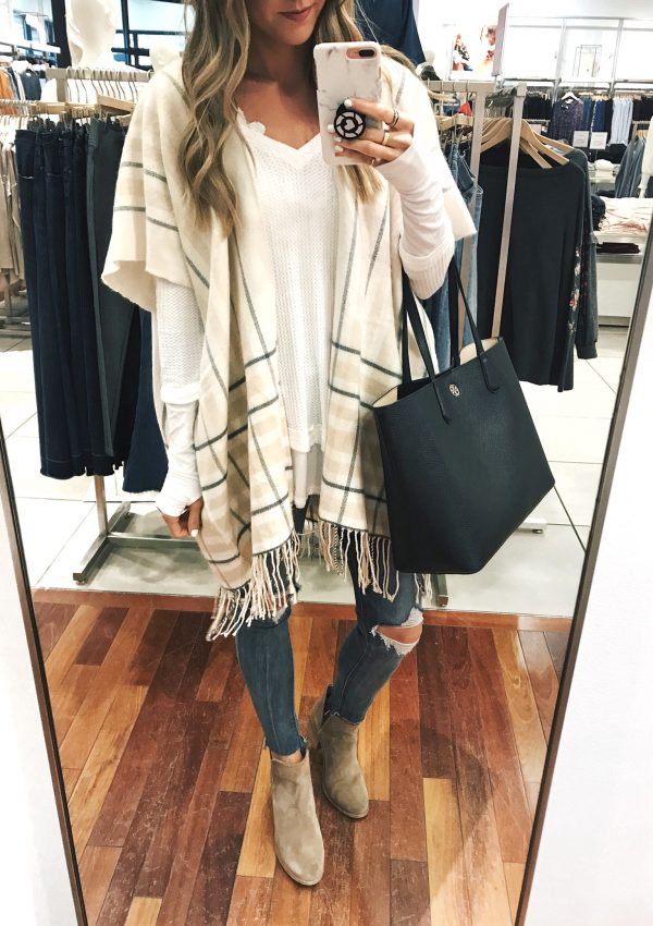 LOFT – 40% Off Tops, Sweaters, & Scarves