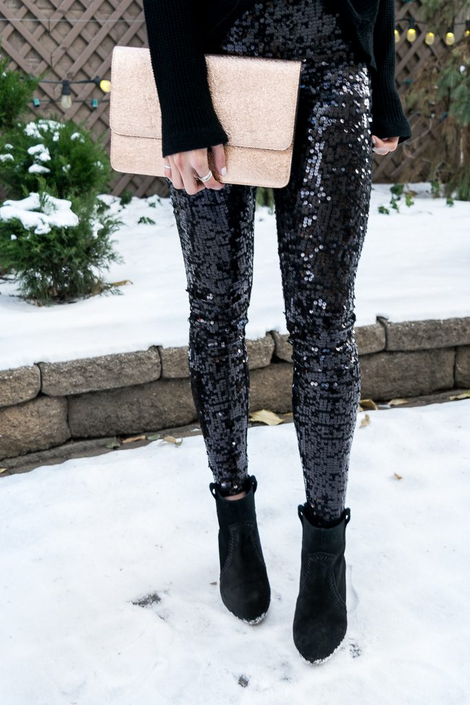 Express black sequin leggings, all black holiday look, NYE outfit, rose gold clutch