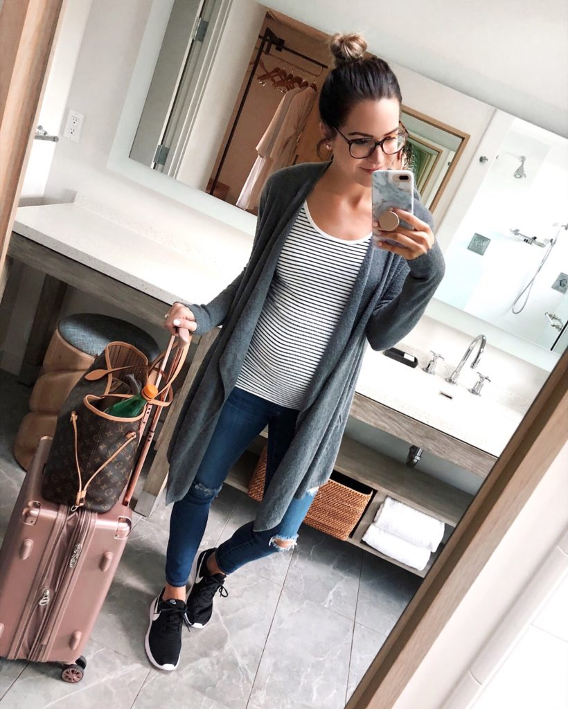 airport style, travel outfit, andaz scottsdale resort and spa, baby moon destination, babymoon