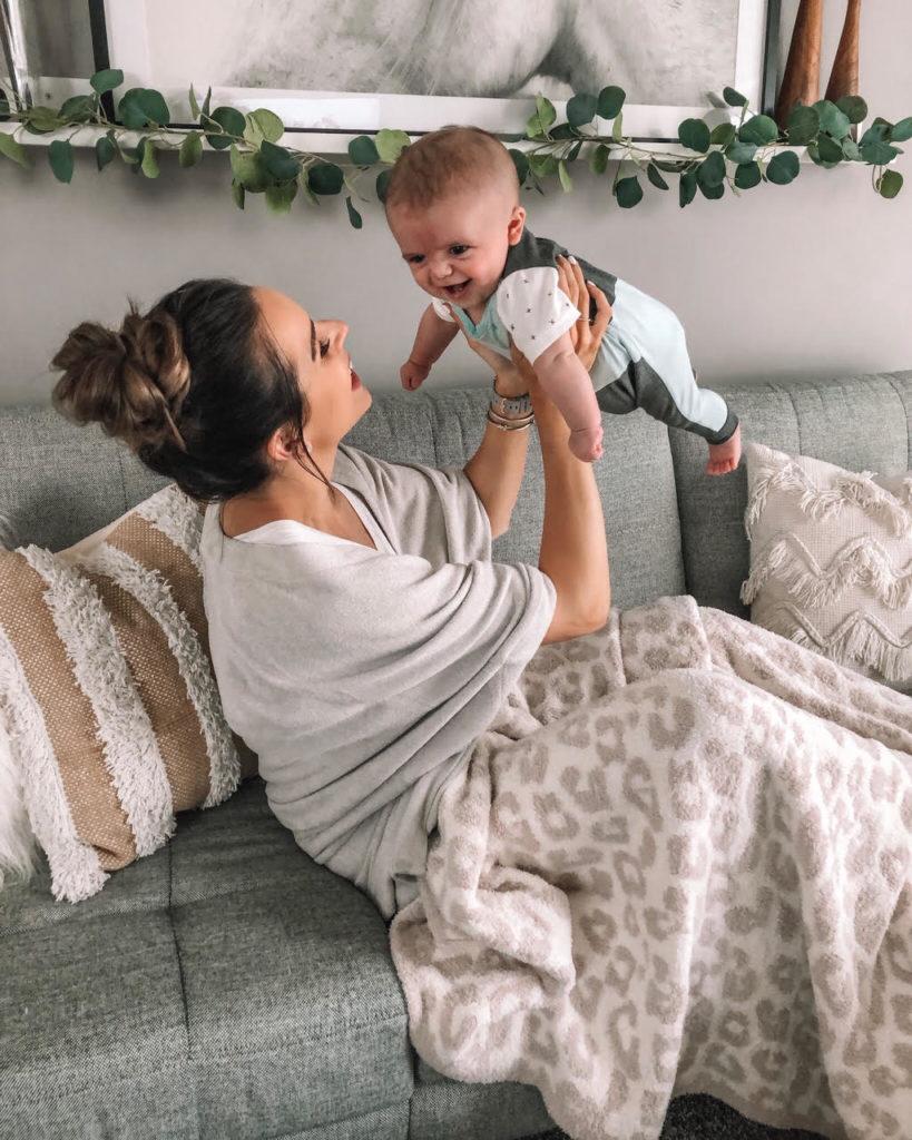 breastfeeding experience, combo feeding, formula, enfamil neuropro, nursing