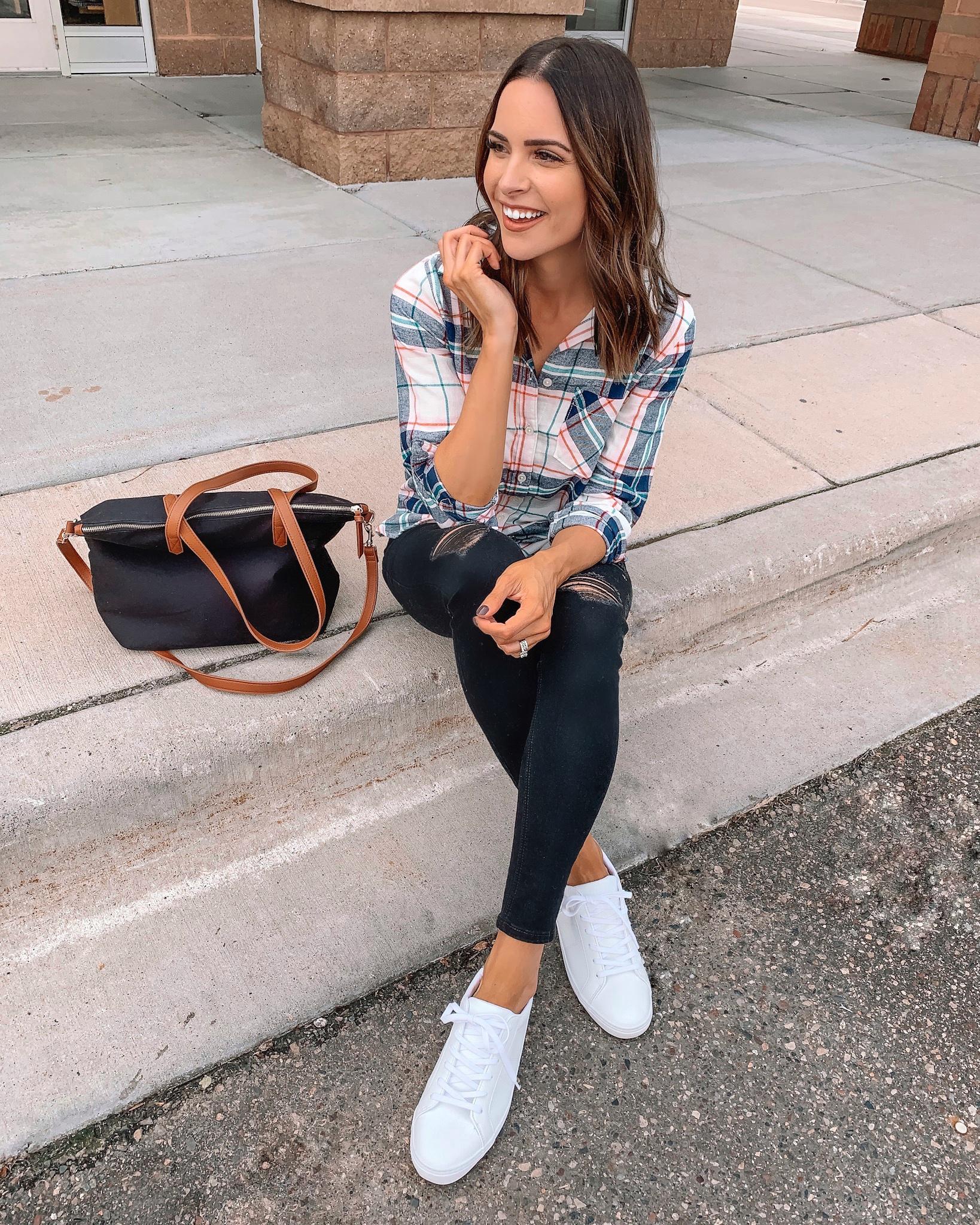 4 ways to style black denim, old navy rockstar super skinny distressed jeans