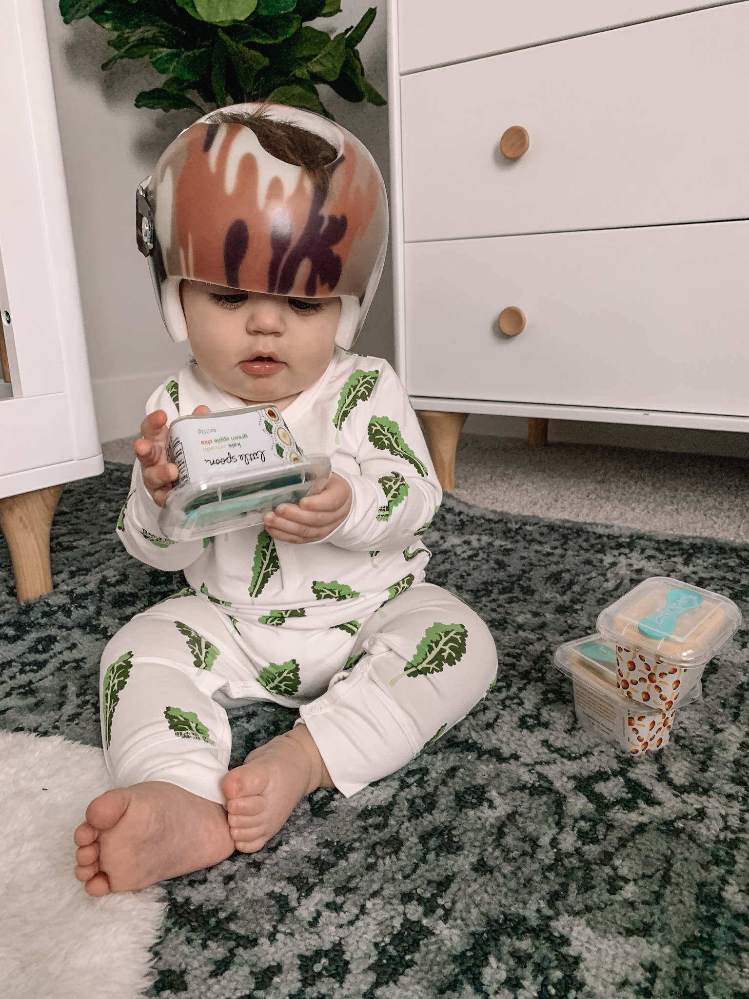 aden + anais kale onesie, little spoon review, 8 month baby update, schedule, Keldon