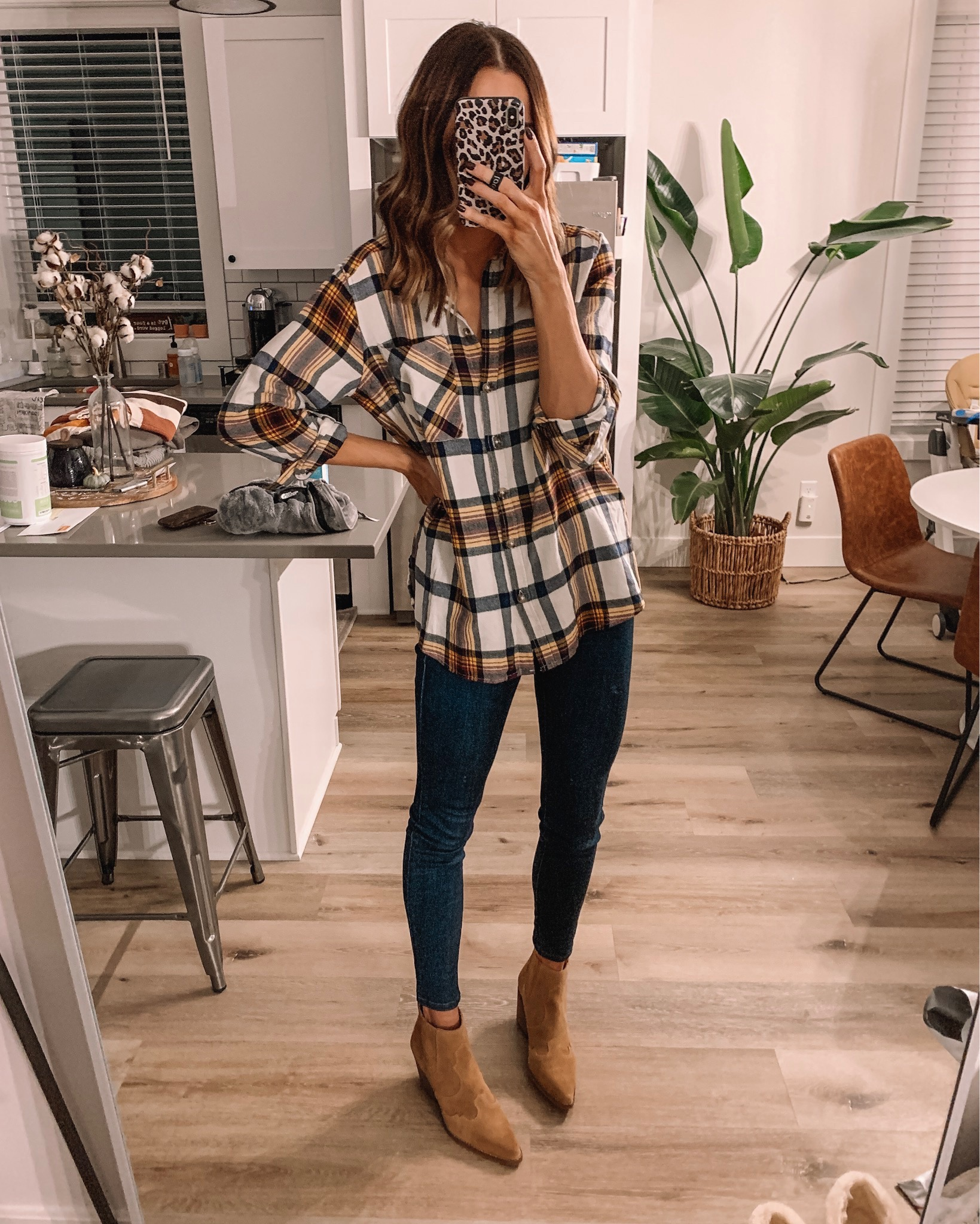 express Black Friday cyber Monday sale 2019. boyfriend flannel, affordable fashion, winter fashion, fall outfit, Minneapolis blogger