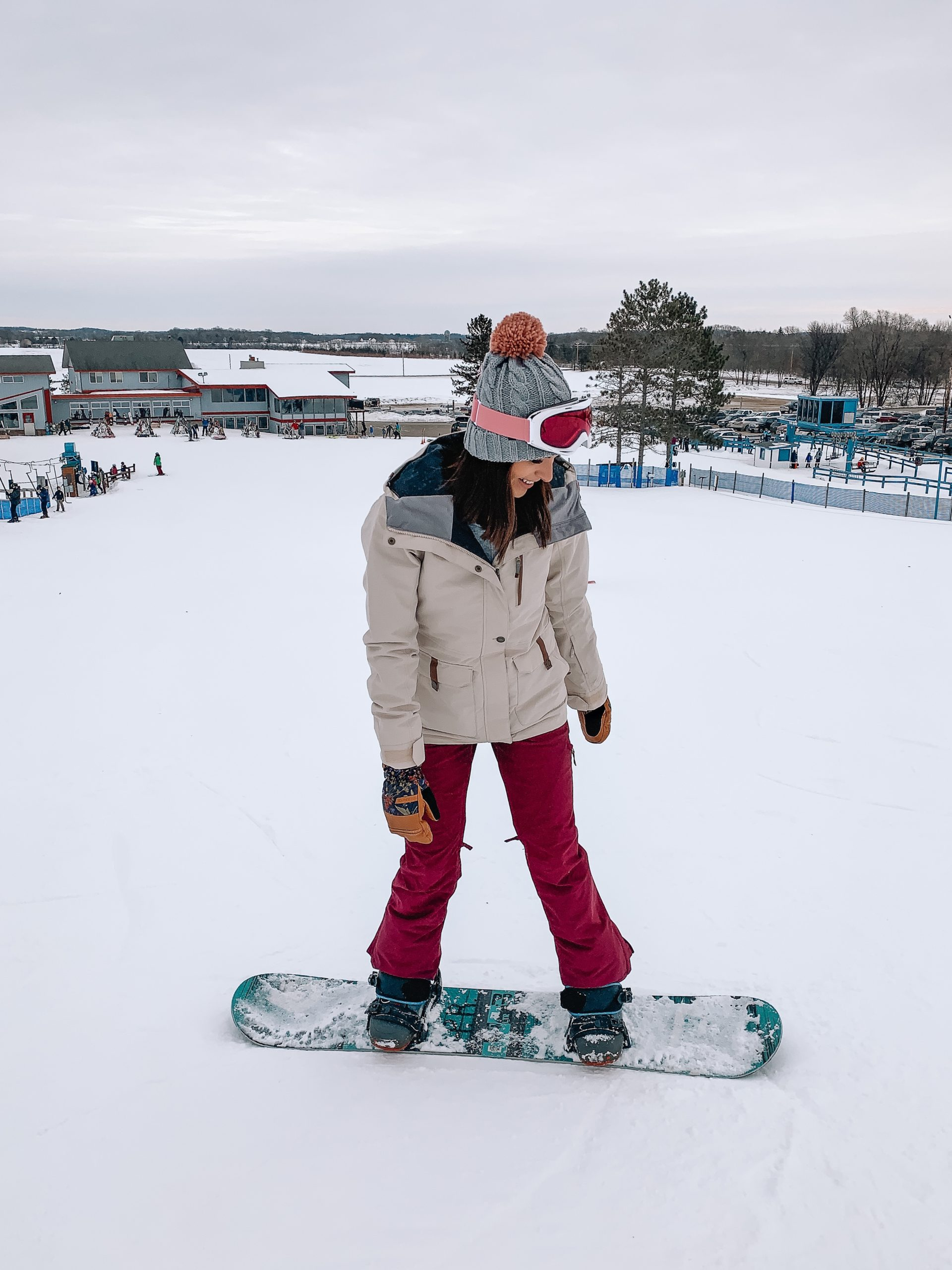 cute snowboarding skiing gear, backcountry, snowboarding outfit, Roxy Andie jacket, cabin pant