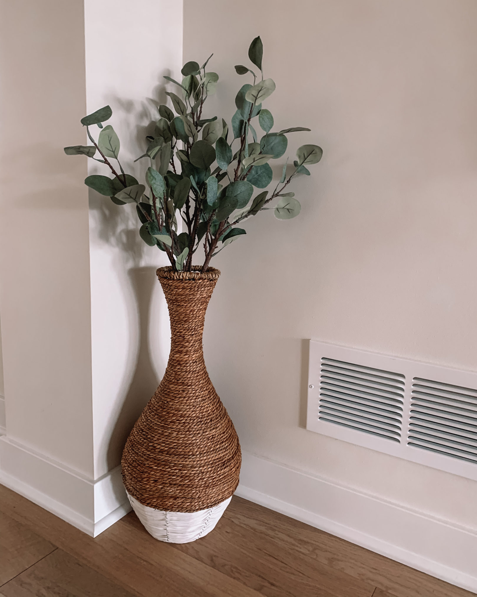 faux eucalyptus stems, woven floor vase, amazon finds, amazon home decor