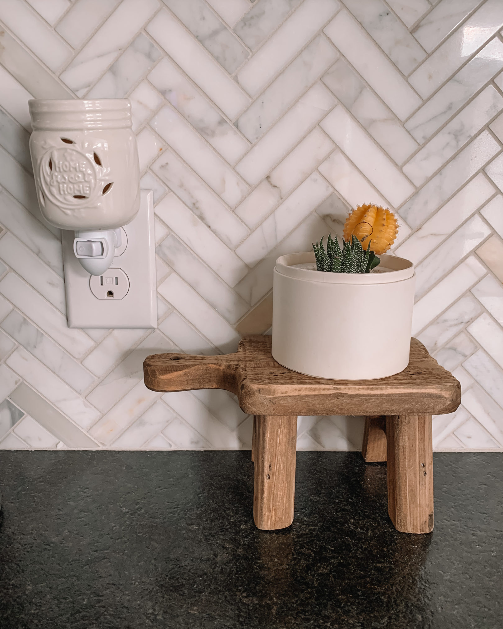 amazon finds, amazon home, home decor, wood pedestal, soap holder, mini plant stand, wax melt plugin